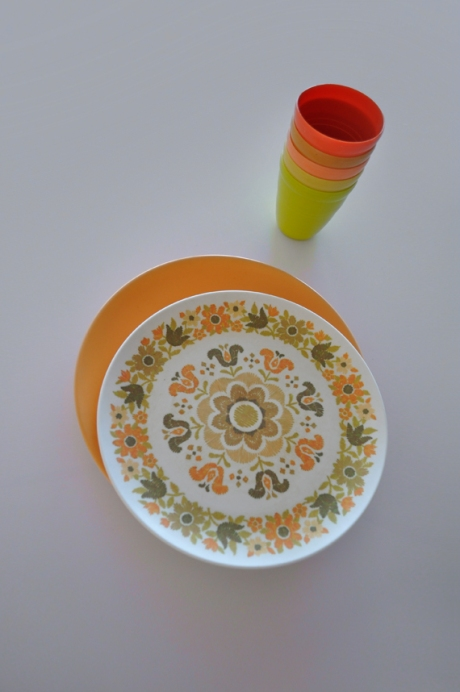 Retro Melamine orange plates and tumblers