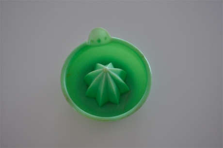 vintage bakelite jade green lime juicer citrus