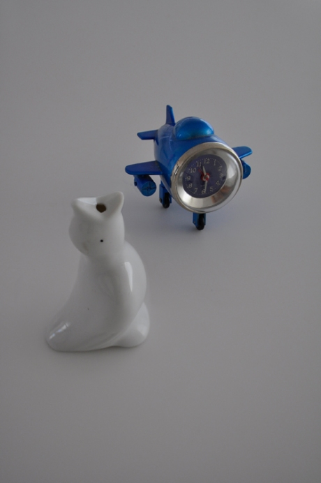 vintage white pie bird early bird plane clock aeroplane