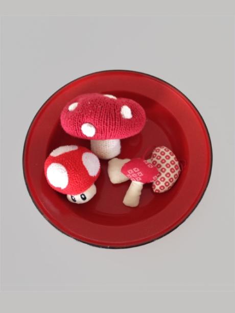 red enamel plate maileg mushroom spots mario