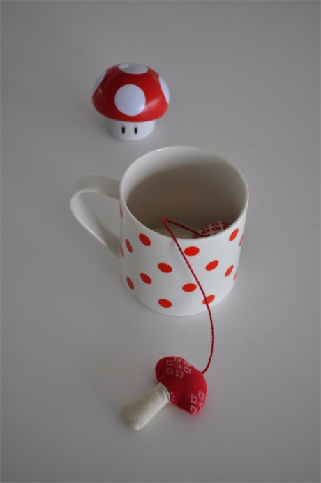 red spots cup mushrooms mario