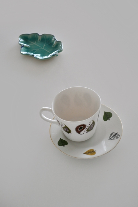 leaf cup and saucer mismatch leaf plate copy