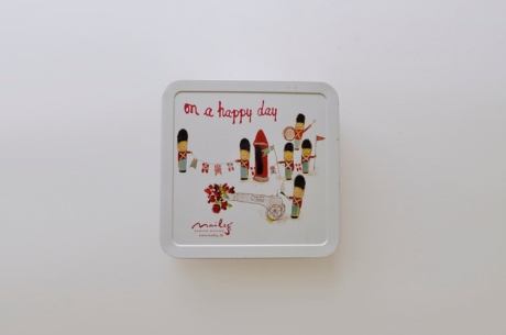 ON A HAPPY DAY_Maileg Tin