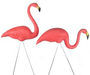 pink-flamingo-lawn-ornaments-by-don-featherstone