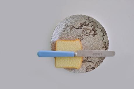 bread butter plate plastic bread