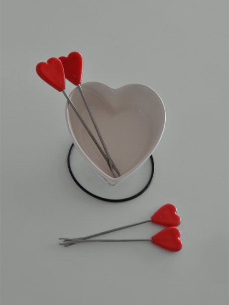 love heart fondue with heart picks forks copy