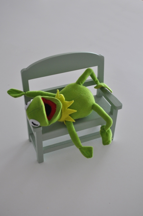 toy muppet Kermit the Frog toy Maileg bench crashed out