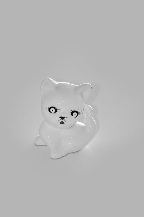 thrifted ceramic kitten money box