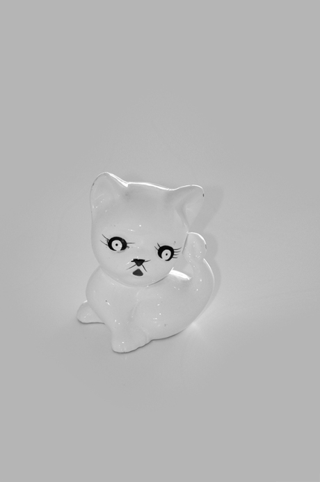 thrifted ceramic kitten money box