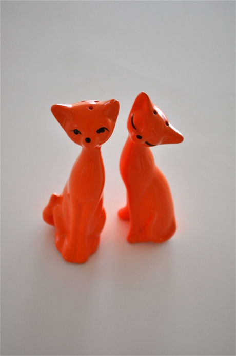 love cats orange retro salt & pepper shakers
