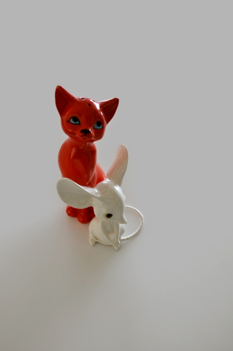 Red retro cat salt shaker vintage white china mouse
