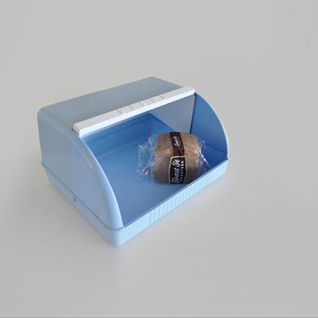 Moldex blue plastic vintage bread bin sq