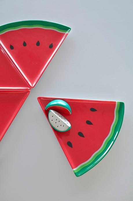 4 x plastic watermelon plates