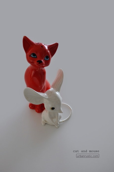 vintage china mouse retro red seventies cat shaker