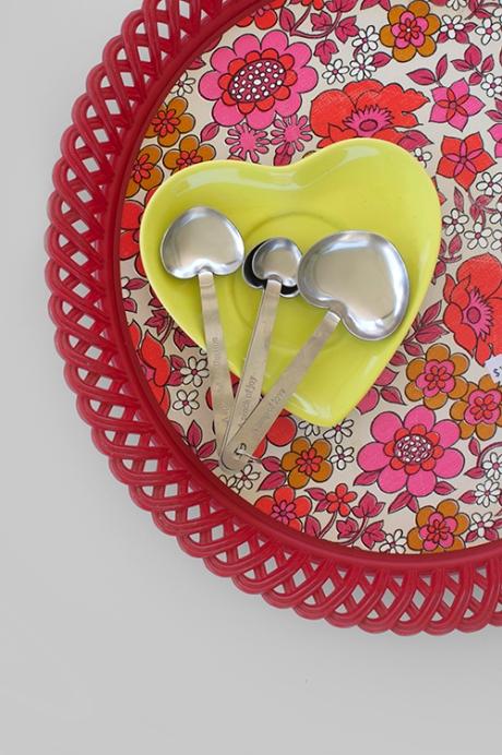 love heart measuring spoons retro flower tray