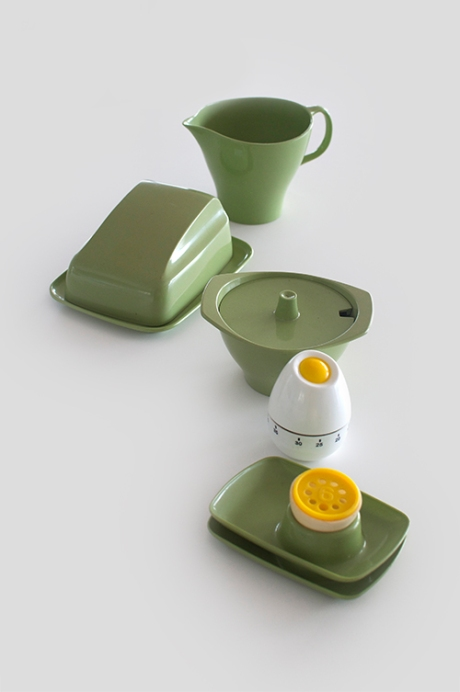 The Breakfast Club set Bessemer avocado melamine copy 2