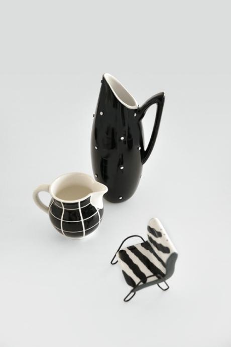 jugs-little-chair-shaker black