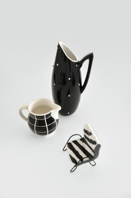 jugs-little-chair-shaker black