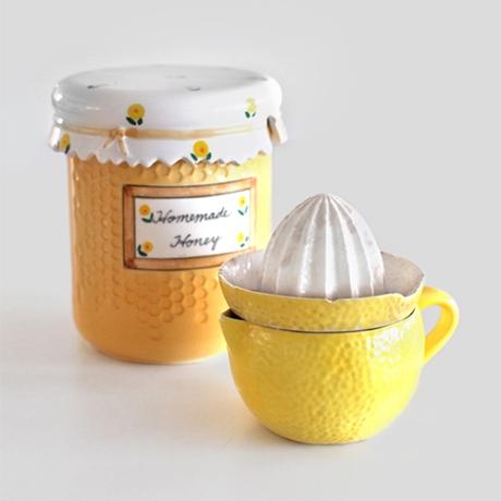 vintage lemon squeezer and honey jar SQ