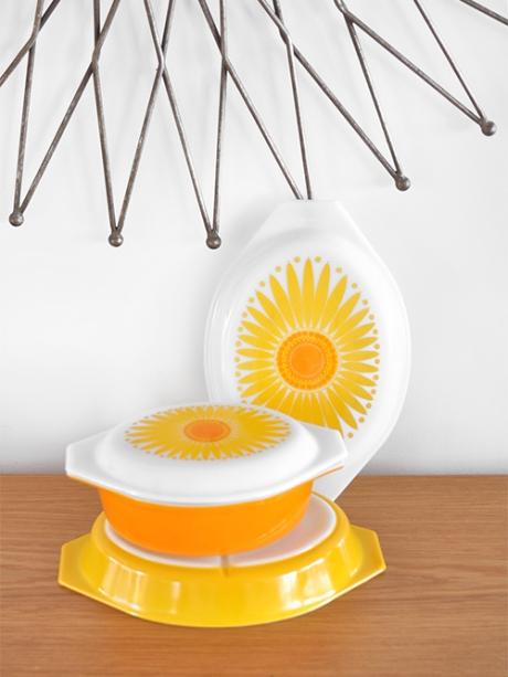 pyrex daisy casseroles sunburst mirror