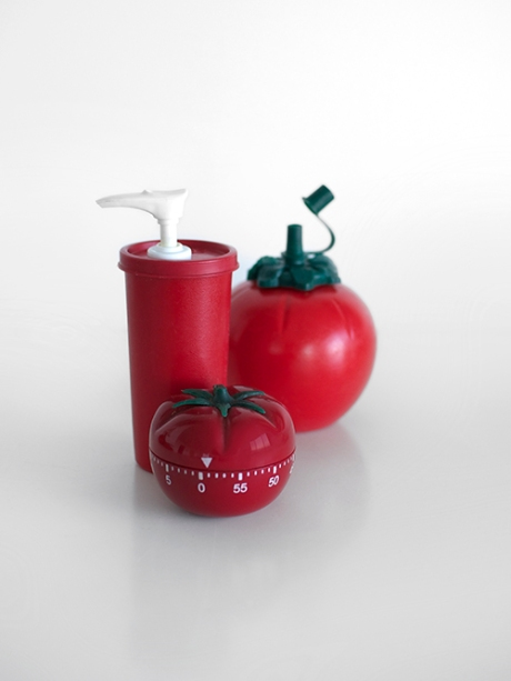 kiwi sauce bottle tupperware tomato timer